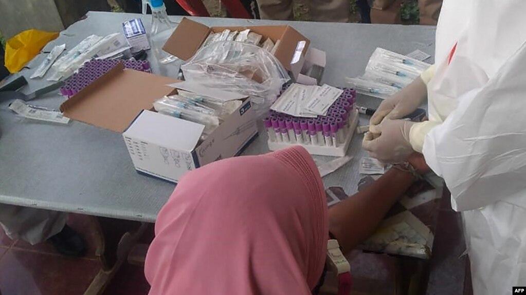 Tes COVID-19 untuk pengungsi Rohingya di Lhokseumawe, Aceh, 7 September 2020. (IOM/UN Migration/AFP)