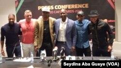 Les légendes africaines, Habib Beye, Kanu, Eto'o, Diouf, à Dakar ce 6 janvier 2019. (VOA/Seydina Aba Gueye)