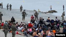 Hiljade migranata pristiglo je u Ceutu, špansku enklavu na sjeveru Afrike, 18. maj 2021.