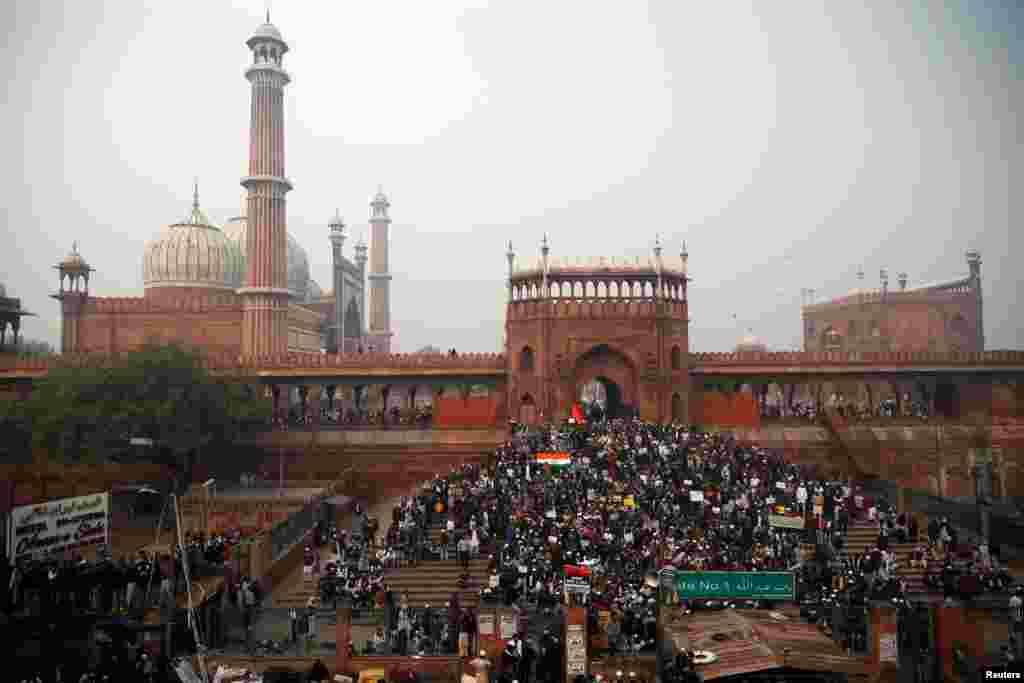 تصویب قانون جدید اعطای شهروندی در هند، موجی از اعتراضات را بخش های مختلف این کشور به وجود آورده است