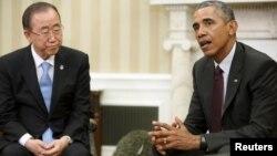 Tổng thư ký LHQ Ban Ki-moon (trái) và Tổng thống Mỹ Barack Obama (phải) nói chuyện với các phóng viên sau cuộc họp trong Phòng Bầu dục tại Nhà Trắng ở Washington, DC, Hoa Kỳ ngày 4/8/2015.