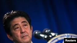 日本首相安倍晋三在纽约的一次记者会上讲话。(2013年9月27日)
