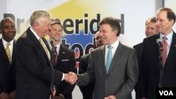 El presidente Santos agradeció al congresista Steny Hoyer, por la visita de la delegación de legisladores estadounidenses a Colombia.