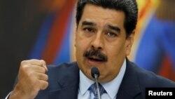 연임에 성공한 니콜라스 마두로 베네수엘라 대통령이 10일 카라카스의 미라플로레스 궁전에서 기자회견을 열었다.