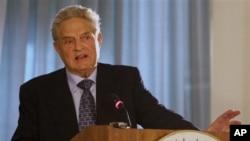 索罗斯在华盛顿的美洲国家组织总部谈论开放社会的挑战(2006年10月3日)