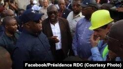 Président Félix Tshisekedi na moko na ba chantiers ya ba sauts-de-moutons na Kinshasa, 14 février 2020. (Facebook/Présidence RDC)