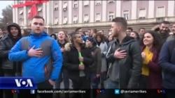 Jehona e protestave në zyrat e Partisë Socialiste