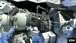 Awak Stasiun Antariksa Internasional (ISS) bersiap melakukan space walk untuk memperbaiki kebocoran amonia (foto: dok).