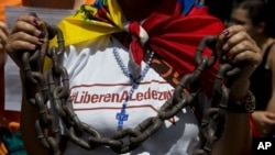 Los opositores buscan ganar apoyo para el Acuerdo Nacional de Transición.