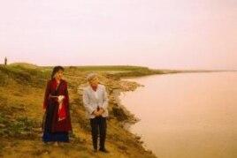 Thi sĩ Hoàng Cầm và Kiều Loan