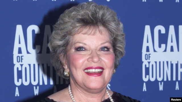 Patti Page (2001 photo)