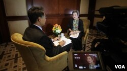 VOA Thai interviewed with Thailand Minister of Commerce, Apiradi Tantraporn at Washington,DC.