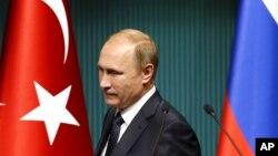 Sau vụ bắn hạ máy bay Nga hồi tháng 11 năm ngoái, quan hệ giữa Nga-Thổ Nhĩ Kỳ đã bị đóng băng.