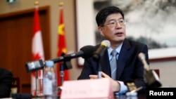 Duta Besar China untuk Kanada Cong Peiwu berbicara dalam konferensi pers di Kedutaan Besar China di Ottawa, Kanada, 22 November 2019. (Foto: REUTERS/Blair Gable)