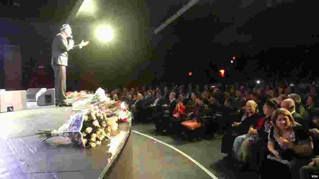 O'zbekiston va Tojikiston Xalq artisti Sherali Jo'rayevning konserti Amerikadagi vatandoshlarimiz uchun haqiqiy tuhfa bo'ldi.