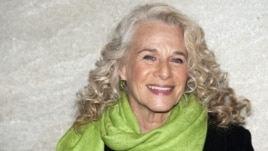 Carole King attends the Rockefeller Center Christmas tree lighting, in New York, Nov. 20, 2011.