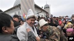 کرغزستان صدارتی انتخابات میں متعدد پارٹیوں کی شرکت