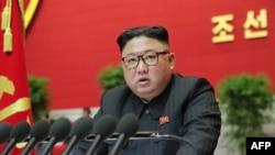 北韓領導人金正恩在北韓勞動黨第八次代表大會上講話。(2021年1月9日)