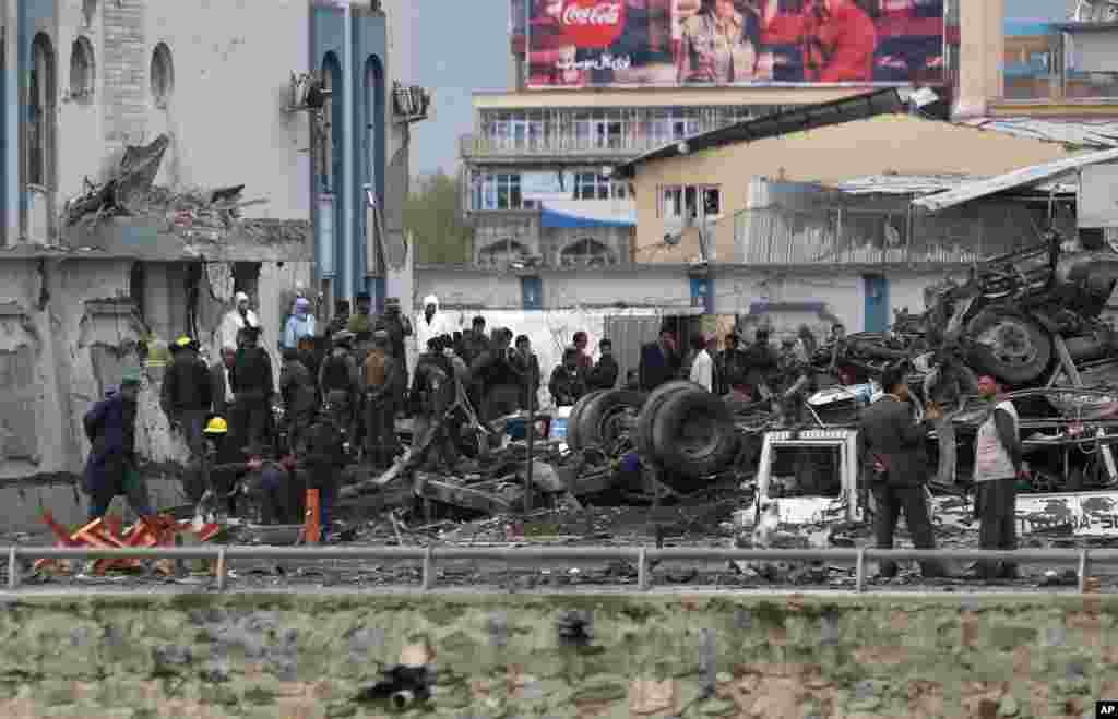 افغانستان کے دارالحکومت کابل میں طالبان نے افغان سکیورٹی فورس کے دفتر پر ایک بڑا حملہ کیا ہے۔