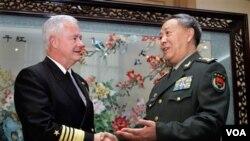 Chen se reunió con su contraparte estadounidense, el almirante Mike Mullen.