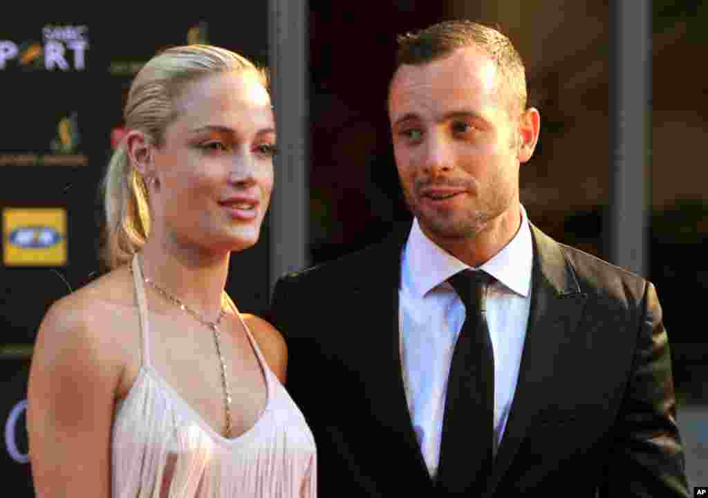 South African Olympic athlete Oscar Pistorius and Reeva Steenkamp at an awards ceremony in Johannesburg, November 4, 2012.
