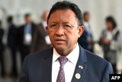 Le Président malgache Hery Rajaonarimampianina arrive à la session ordinaire de la Conférence des Chefs d'Etat et de gouvernement de l'Union africaine (UA) lors du 30ème sommet annuel de l'UA à Addis Abeba le 29 janvier 2018.