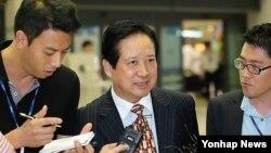 올해 9월 방북 후 인천공항에서 기자들의 질문에 답하는 평화자동차 박상권 사장.