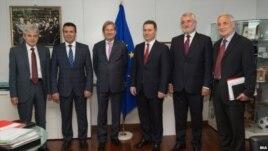 BE e zhgënjyer nga dështimi i bisedimeve për Maqedoninë
