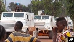 Lực lượng gìn giữ hòa bình tuần tra tại thành phố Bangui, Cộng hòa Trung Phi, ngày 30/9/2015.