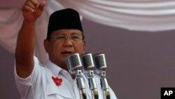 Ông Prabowo Subianto, cựu tướng lãnh bị cáo buộc về những vụ vi phạm nhân quyền tại Đông Timor và về việc ra lệnh bắt cóc những nhà hoạt động đòi dân chủ năm 1998.