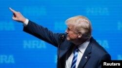 Tổng thống Trump tại sự kiện của NRA.