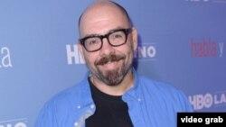 """Alberto Ferreras también es es el autor de la novela """"B as in Beauty"""" y de la serie decumental """"Habla"""" de HBO."""