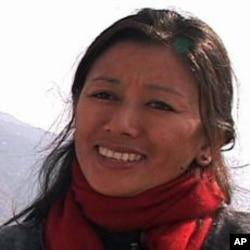 西藏青年大会的丹增却吉