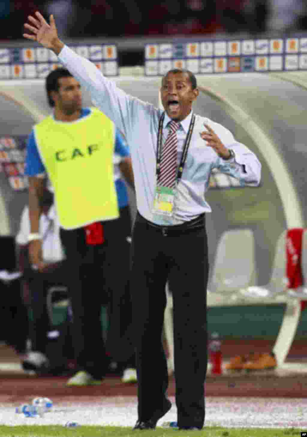Equatorial Guinea's head coach Paulo of Brazil reactes during their African Cup of Nations Group A soccer match against Senegal at Estadio de Bata