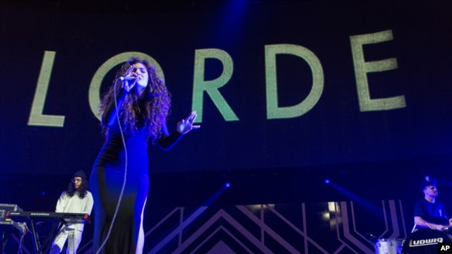 Lorde performs on stage during the 24th Annual KROQ Almost Acoustic Christmas held at the Shrine Auditorium on  Dec. 8, 2013 in Los Angeles.