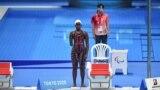 L'Ougandaise Husnah Kukundakwe participe au 100 m brasse féminin aux Jeux paralympiques de Tokyo 2020 au Centre aquatique de Tokyo, le 26 août 2021.