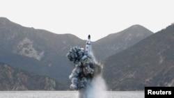 北韓8月24日進行了潛射彈道導彈試驗﹐圖為4月24日試驗資料照。