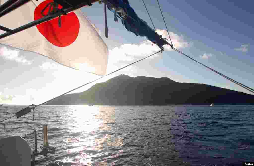센카쿠 열도 인근의 일본 어선