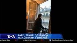Tenori francez, koncert operistik nga dritarja e apartamentit