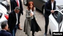 """Cristina Fernández, de 66 años, sostiene que se trata de una """"persecución política"""" para perjudicarla en plena campaña electoral."""