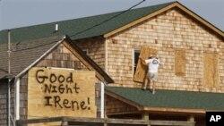 Подготовки за ураганот Ајрин во полн ек