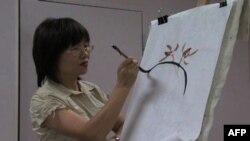 Занятия по китайской живописи проводит художница Пэйхун Дун Эндрис
