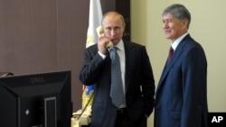 Birimqulov ham Moskva, ham Anqaraga yaqin Bishkek o'ziga xos vositachilik salohiyatiga ega, deb hisoblaydi. Ammo vositachilar prezident Putinga sezilarli ta'sir o'tkaza olishiga u ishonmaydi.
