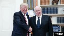 川普在白宫会见俄罗斯驻美大使基斯利亚克