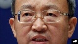 Thứ trưởng Thương mại Trung Quốc Wang Shouwen nói chuyện với các phóng viên tại Bắc Kinh hôm 25/9.
