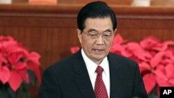 ປະທານປະເທດຈີນ ທ່ານ Hu Jintao ກ່າວຄຳປາໄສເນື່ອງໃນໂອ ກາດວັນຄົບຮອບ 90 ປີ ໃນການສ້າງຕັ້ງພັກຄອມມູນິສ ທີ່ຫໍສາລາ ປະຊາຊົນ ໃນນະຄອນຫຼວງປັກກິ່ງ (1 ກໍລະກົດ 2011)