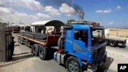 گذرگاه «کرم شالوم» در مرز مشترک بین اسرائیل و نوار غزه که برای انتقال کالا به سرزمین های فلسطینی استفاده می شود - آرشیو
