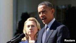 Tổng thống Hoa Kỳ Barack Obama và Ngoại trưởng Hillary Rodham Clinton phát biểu tại Vườn Hồng Tòa Bạch Ốc, ngày 12/9/2012