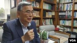 이종석 전 한국 통일부 장관이 12일 세종연구소에서 VOA와 인터뷰하고 있다.