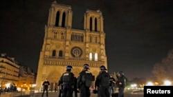 Paris bị tấn công khủng bố